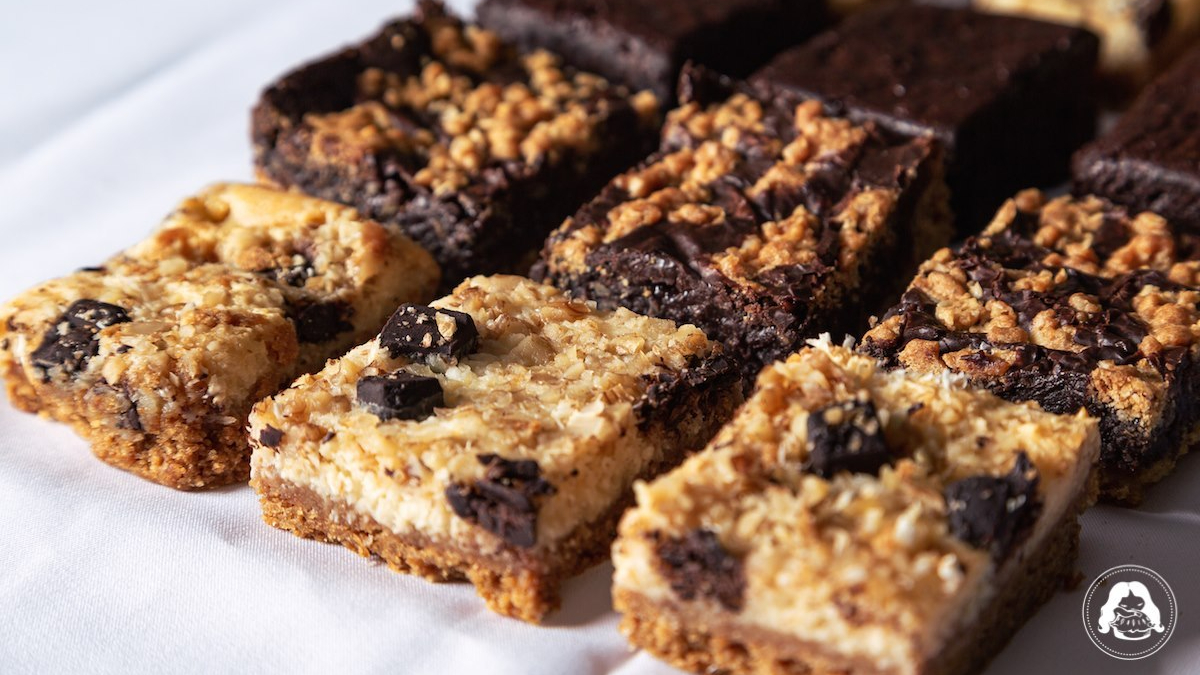 Chewy Chunky Cookies Dulce Coco Revel Bar Fudge Brownie JESBAKES
