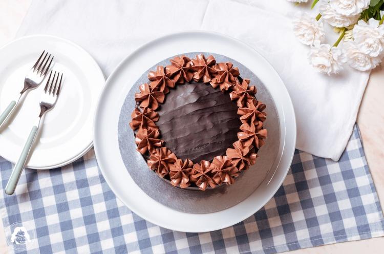 Truffle Ganache Chocolate Chiffon Cake Dark Chocolate Ganache Frosting Milk Chocolate Mousse JESBAKES