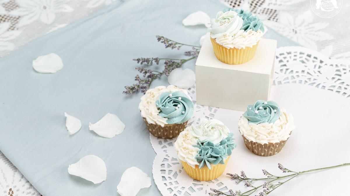 Vanilla Butter Cupcake Floral Design JESBAKES