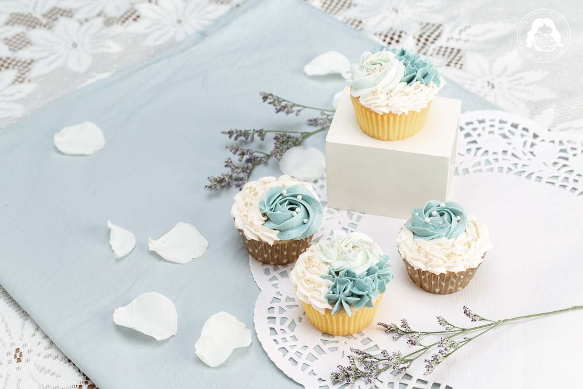 Vanilla Butter Cupcake Floral Design JESBAKES
